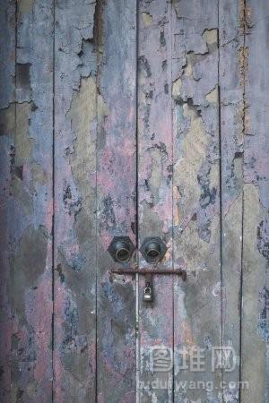 旧木门的背景纹理