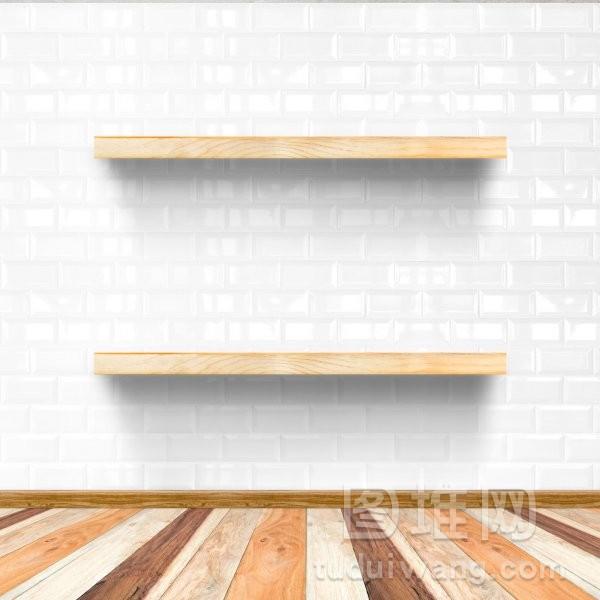 白色的砖房和木地板