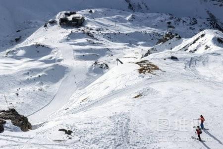 丘陵山地滑雪用滑雪者
