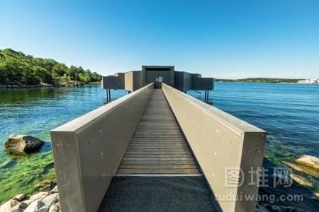 在瑞典海岸建设现代桑拿