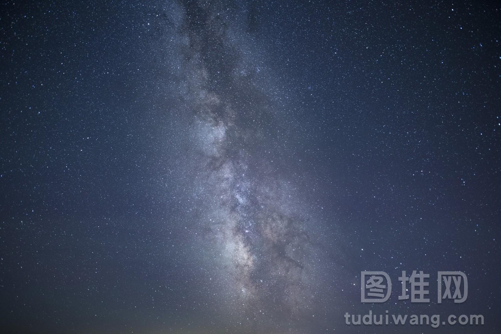 夏季的银河和星星